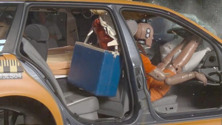 Что происходит во время автоаварии?