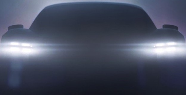 Porsche показал видео своего первого электромобиля