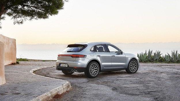 Porsche представила обновленный Macan S