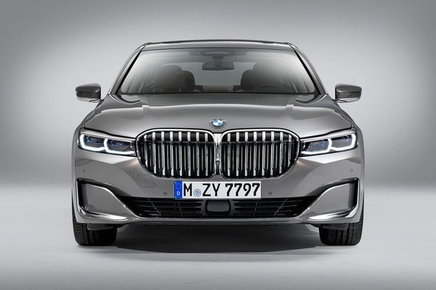BMW обновляет флагманский седан серии 7