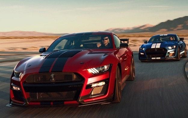 Форд разрабатывает гибридный Мустанг с V8 и двумя электромоторами