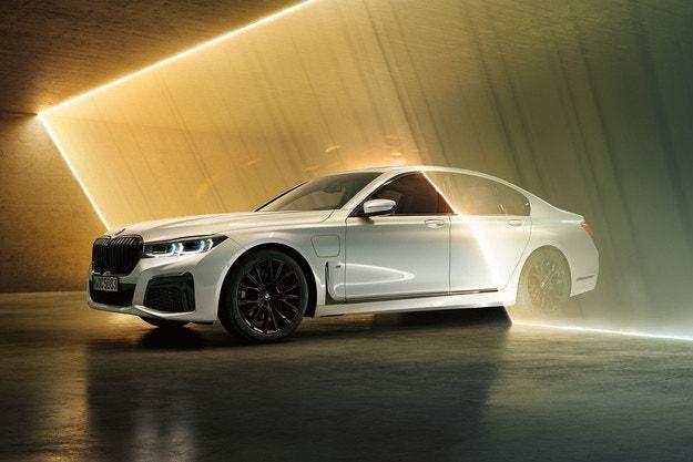 BMW объявила о своей программе на Женевском автосалоне