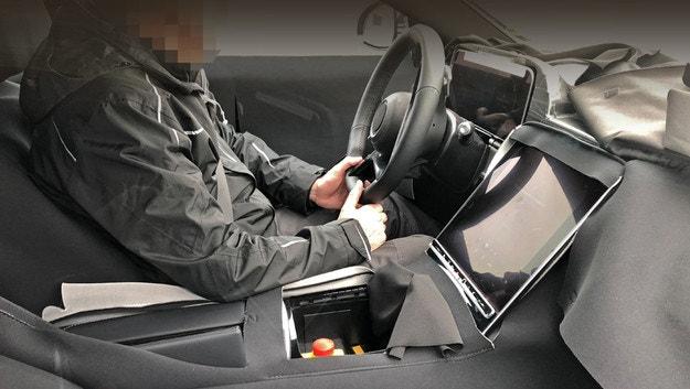 Mercedes S-Class демонстрирует новый дисплей