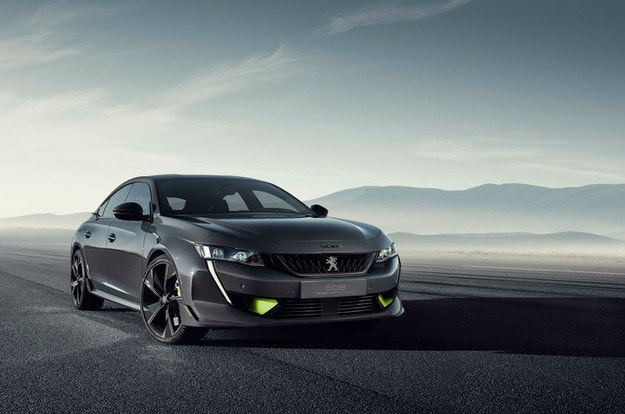 Peugeot представила спортивный гибрид мощностью 400 л.с.