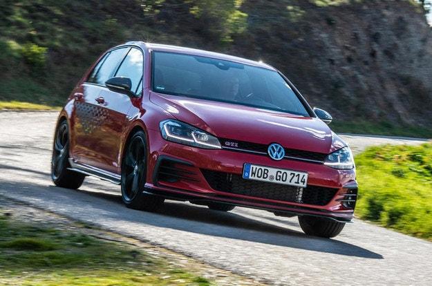 Новый VW Golf GTI сохранит бензиновый двигатель