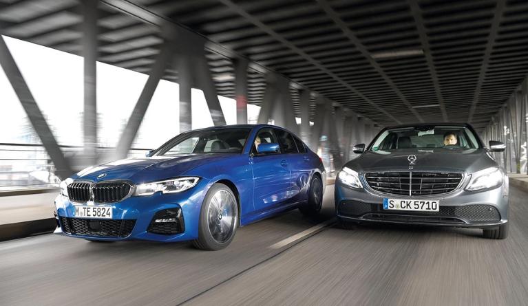 BMW 330i против Mercedes C 300 - многолетние соперники