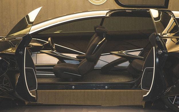 Aston Martin создал первый электрический кроссовер