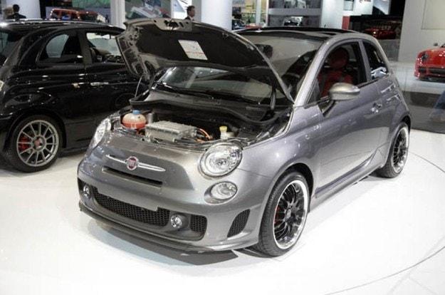 Новый электрический Fiat 500 появится в 2020 году