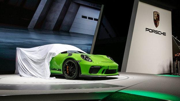 Женева - главная сцена для инноваций Porsche
