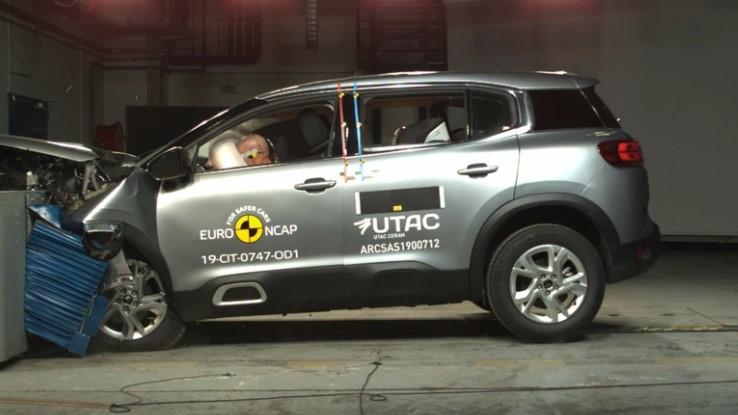 Euro NCAP разбил Citroen C5 Aircross и новый Range Rover Evoque