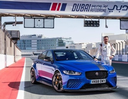 Jaguar XE установил рекорд на гоночной трассе в Дубае