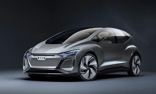 Audi рассекретила хэтчбек с убирающимся рулем
