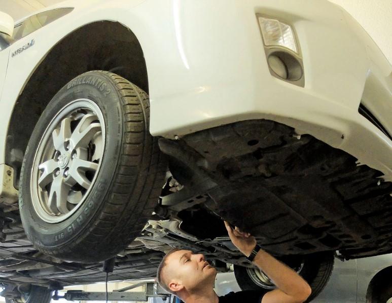 Покупка гибрида представляет собой достаточно большой риск, поэтому стоит потратить немного денег на точную проверку автомобиля в профессиональной мастерской.
