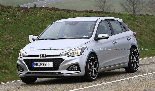 Hyundai начал дорожные испытания хэтчбека i20