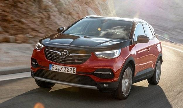 Opel представил новую модификацию модели Grandland X