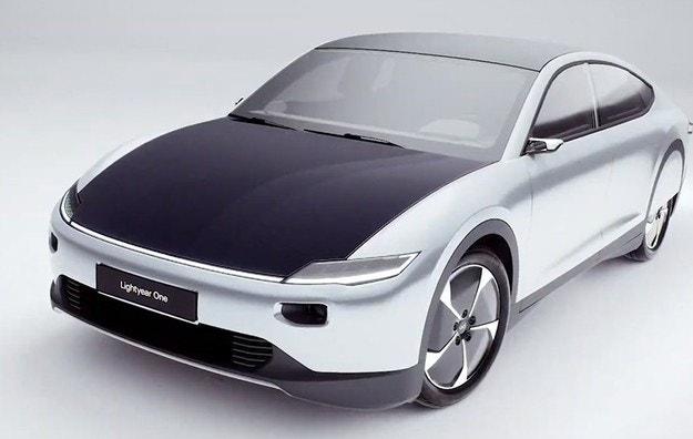 Голландцы показали автомобиль с солнечными батареями