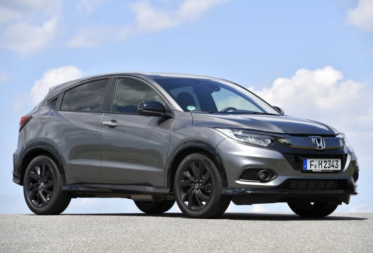 Honda HR-V, Opel Grandland X и Skoda Karoq - команда для семейных задач
